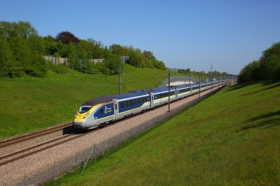 374008+374007 on the 9O35 1407 Paris Nord to St Pancras International at Lenham Crossover on the 6th May 2018