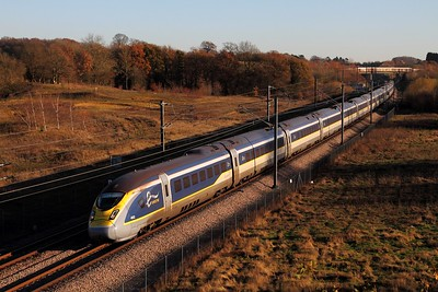 4022+4021 on the 9O29 1243 Paris Nord to St Pancras International at Lenham on the 4th December 2016