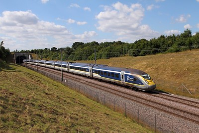 4001+4002 on the 9O36 1531 St Pancras to Paris Nord at Lenham on the 6th August 2016
