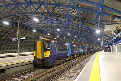 375607+375715 on the 2Z36 2127 London Waterloo to Dover Priory at P21 London Waterloo on the 30th August 2017