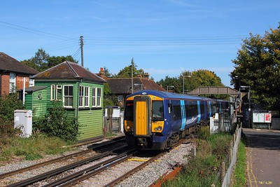 375812+375815 on the 2W44 1320 Ramsgate to London Charing Cross at Chartham on the 24th September 2017