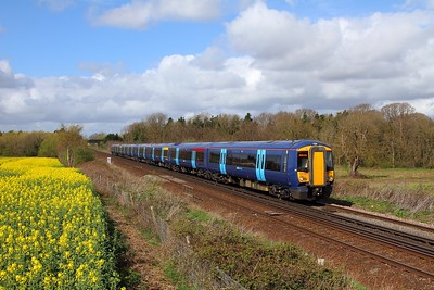 375801+375715 near Tonbridge on 1st April 2017