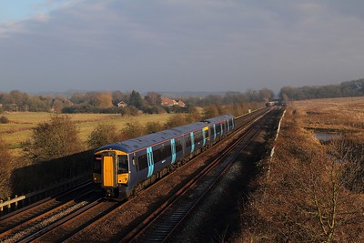 375613 on the 2A40 1306 Canterbury West to London Victoria at Otford on the 23rd January 2017