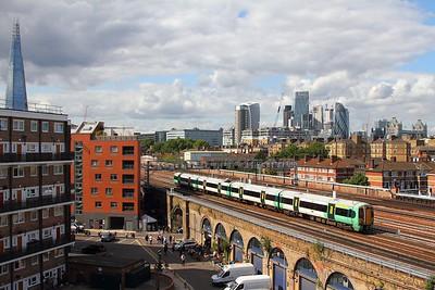 377152 on the 2C81 London Bridge to Horsham east of London Bridge on the 19th August 2017