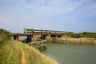 377119 on the 1C49 1629 Bognor Regis and Portsmouth Harbour to London Victoria at River Arun viaduct, Ford on the 21st July 2018
