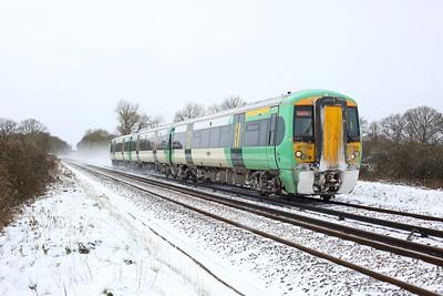 377326 working 2A25 1101 Tonbridge to Redhill at Crowhurst, Edenbridge on 9 February 2021  Class377, RedhillTonbridgeLine, Southern
