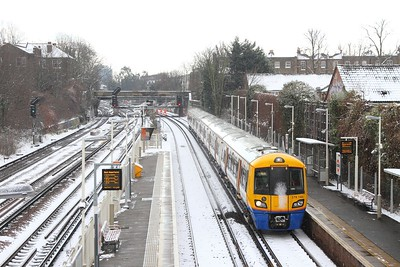 378146 on the 9N23 1136 Dalston Junction to Clapham Junction at Wandsworth Road on the 28th February 2018