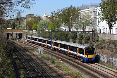 378206 working 2L51 1120 Clapham Junction to Stratford at Mildmay Park, Canonbury on 19 April 2021  LO, Class378, NLL