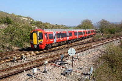 387219 working 2G39 1457 Hastings to Brighton at Southerham junction on 27 April 2021  Class387, Gatex, EastCoastwayline