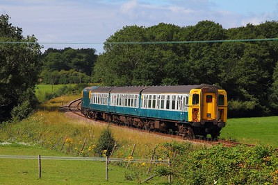 1497+33201 on the 2J09 1030 Tunbridge Wells to Eridge at Pokehill farm on the 4th August 2017
