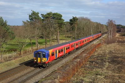 455734 leads 455907 working 2C41 1409 London Waterloo to Ascot at Chobman Common, Sunningdale on 21 March 2021  WaterlooReadingLine, Class455, SWR