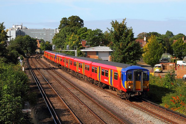 5701+5919 on the 2K15 0836 Shepperton to London Waterloo at St Margarets on the 20th August 2017