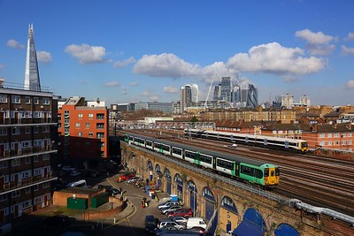 455813 on the 2J33 1110 London Bridge to West Croydon and 465028 on the 2E59 1106 London Canon Street to Barnehurst at London Bridge on the 17th February 2018