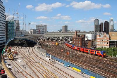 456019+456003+456012 on the 2J43 1557 London Waterloo to Hampton Court departing London Waterloo on the 2nd July 2017