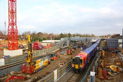 458530+458516 on the 2U33 London Waterloo to Windsor and Eton Riverside departing Twickenham on the 13th January 2018
