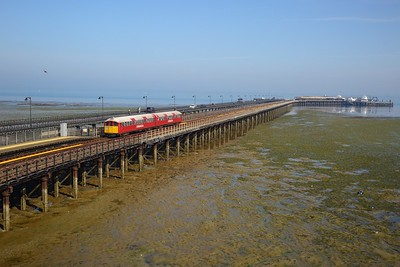 483006 working the 2D17 0949 Ryde Pier Head to Shanklin crosses Ryde Pier and arrives at Ryde Esplanade on 11 August 2020