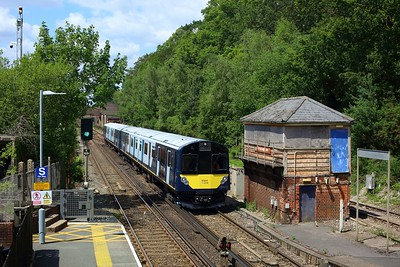 484003 leading 484002 on 5Q23 1243 Fareham to Fareham via Eastleigh South yard at Botley on 14 July 2021  Class484, SWR, EastleighFarehamLine, 484Testing