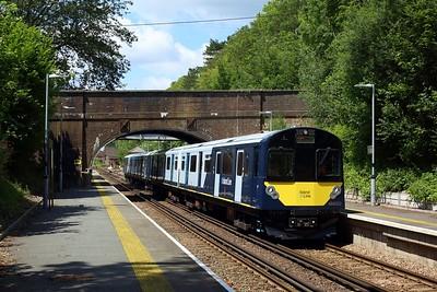 484003 leading 484002 on 5Q23 1243 Fareham to Fareham via Eastleigh South yard at Botley station on 14 July 2021  Class484, SWR, EastleighFarehamLine, 484Testing