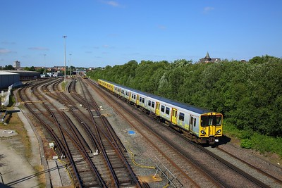 507003 on the 2G20 1634 Ormskirk to Liverpool Central at Kirkdale on the 11th June 2018