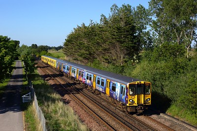 508111 leading 508130 on 2U50 1758 Southport to Hunts Cross at Ainsdale on 30 May 2021  Class508, MerseyRail, Beatles, NorthernLineMR, SouthportLine