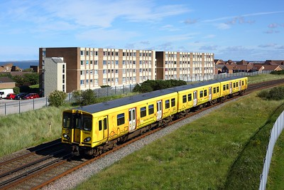 508123 working a westbound ECS out of New Brighton on 30 August 2020  Class508, Merseyrail, Wirral