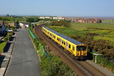 508103 passes Warren Park, Wallasey as it nears journeys end at New Brighton with 2N11 0853 circular service on 30 May 2021  Class508, MerseyRail, WirralLine