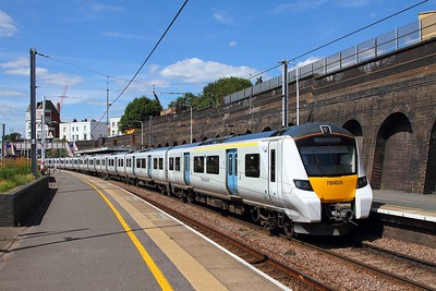 700020 on the 2V61 Luton to Sutton at Kentish Town on the 13th August 2017