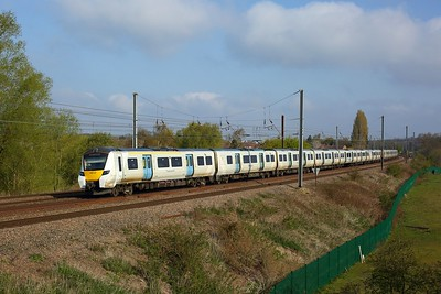 700127 working 9S13 0754 Cambridge to Brighton at Welham Green on 1 May 2021  Class700, Thameslink, ECMLSouth