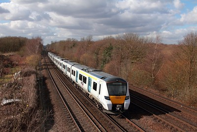700010 on the 2E33 1150 West Hampstead to Sevenoaks at Swanley on the 24th February 2017