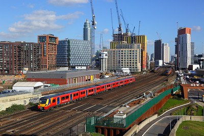 707010 on the 2V29 1207 London Waterloo to London Waterloo via Hounslow at Nine Elms on the 17th February 2018