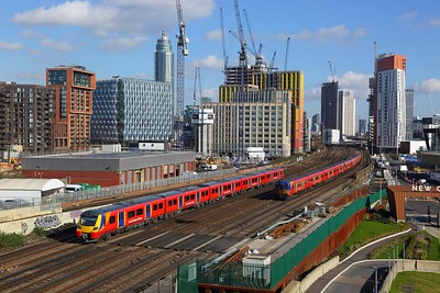 707015 on the 2S31 1152 London Waterloo to Weybridge at Nine Elms on the 17th February 2018
