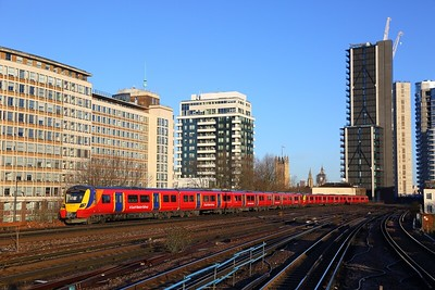 707008+707029 on the 2V13 0807 London Waterloo circular via Brentford, Hounslow and Richmond at Vauxhall on the 28th December 2017