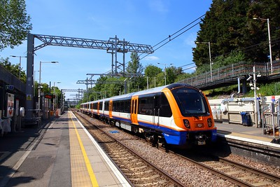 710261 at Upper Holloway with the 2G43 1136 Gospel Oak to Barking on the 23rd May 2019