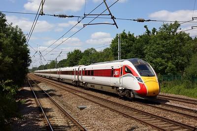 801224 powering the 1E11 1030 Edinburgh to London Kings Cross at Welham Green on 17 July 2020  Class801, LNER, ECMLSouth