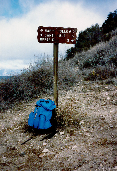 "Alexander Saddle, 12/1984. That is my old Alpenlite pack that I used for day hikes from 1984 until 1992 when my dog killed it. The company behind Alpenlite (and Kangaroo bags, if you remember that) began in Claremont, California and later moved to Ventura. I knew the owner, Don Douglass, a bit; he was one of the early ""Ultra Light"" advocates and innovaters. This pack was part of the Alpenlite Ultra LIght series and was very well designed and constructed."