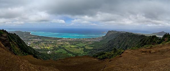Oahu, Hawaii panorama; Kuliouou Ridge trail end, April 9, 2012. Left to right (northeast to southeast): The tip of Mokapu Point; Mokulua Islands and Wailea Point; Waimanalo Bay; Manana Island;  Koko Crater.