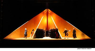 ENO Tristan and Isolde Act 1 - Karen Cargill, Heidi Melton, ENO Chorus, Stephen Rooke, Matthew Rose , Craig Colclough, Stuart Skelton  (c) Catherine Ashmore