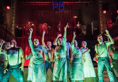 ENO Paul Bunyan - ENO Chorus (c) Genevieve Girling (9)