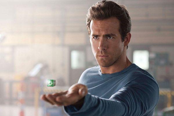 "RYAN REYNOLDS as Hal Jordan in Warner Bros. Pictures' action adventure ""GREEN LANTERN,"" a Warner Bros. Pictures release. TM & © DC Comics"
