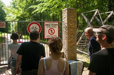 U brány do obory. Bývalý majitel Hamé Leoš Novotný komplikuje a znepříjemňuje návštěvníkům přístup jak může.
