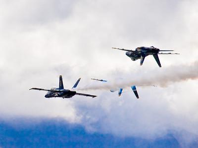 Ross Hamamura Blue Angels 10/14/07  w/kit 40-150mm