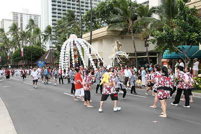 Pan Pacific Festival Parade,  Photographer Milton Hee  ... Gallery: http://miltonhee.smugmug.com/gallery/5161598_FbFJg#312561576_dBE2Y