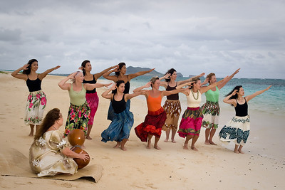 Mother's Day Hula Class  ...  Thank You Katherine and Reid for all the Help ....  Photographer Ross Hamamura, www.RDHphoto.net