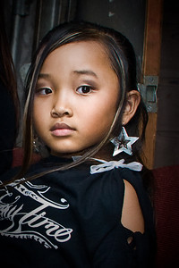 Future Star, waiting backstage ...     Photographer Ross Hamamura, www.RDHphoto.net