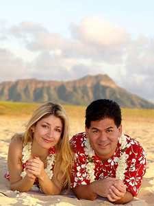 "Tourist Portrait  :)    Yes, they are ""really"" at that beach  (this was originally shot in JPG out of camera)  did not alter the background colors ... Photographer Ross Hamamura, www.RDHphoto.net"