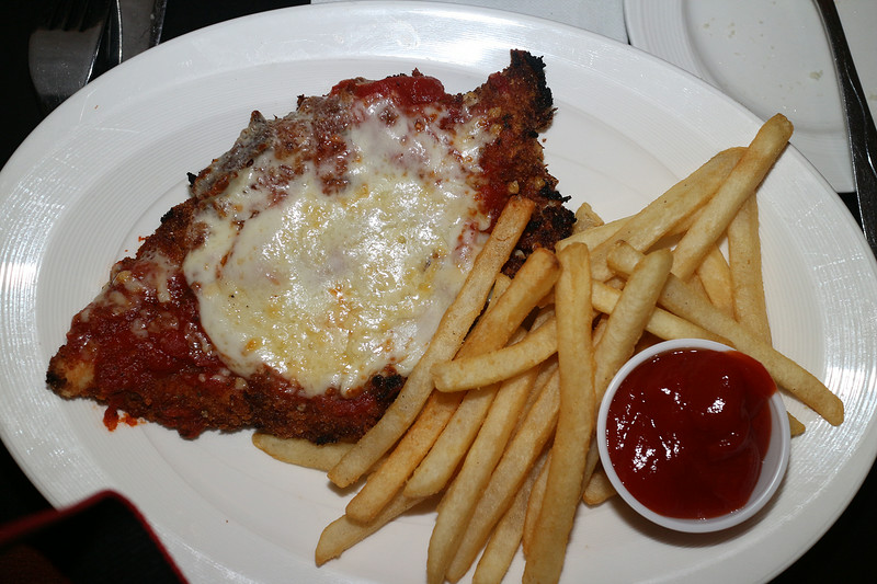 Chicken Parmigano (Angelos)