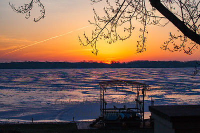 26 January 2018:  Sunrise on Lake Lansing