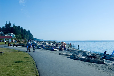 Lots of people enjoying the August sunshine and heat at the Mukilteo Lighthouse park.
