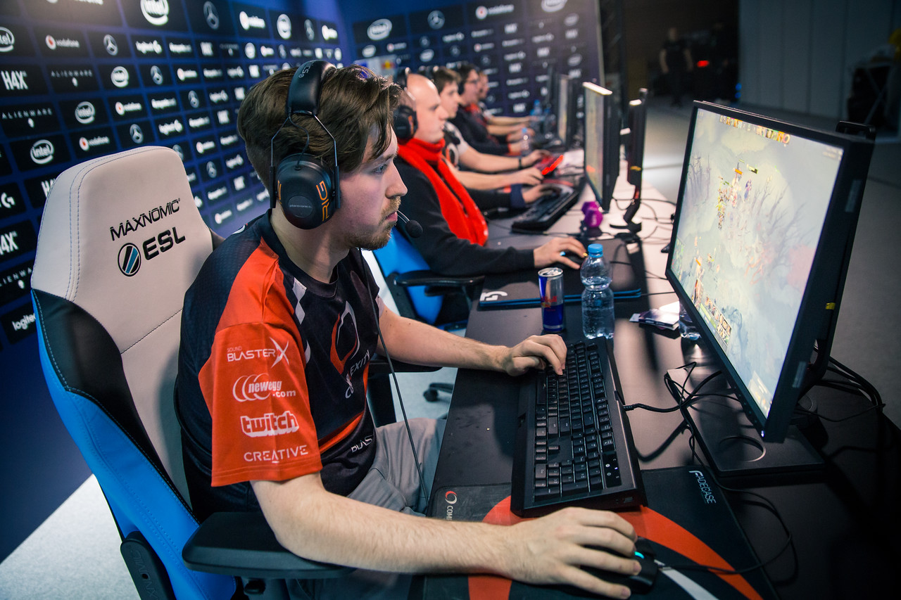 Complexity's Moo playing in the groupstage of ESL One Katowice 2018