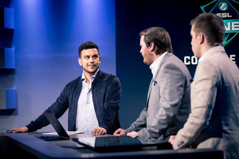 "Alex ""Machine"" Richardson at the analyst desk of ESL One Cologne 2017"